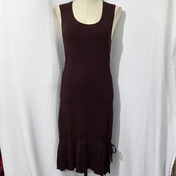 BCBGMaxAzria Dresses & Skirts - BCBGMAXAZRIA BROWN PLEATED DOWN SLEEVELESS DRESS M